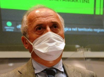 """Marche, arrivate altre 5.850 dosi di vaccino: """"Dopo personale sanitario priorità agli over 80"""""""