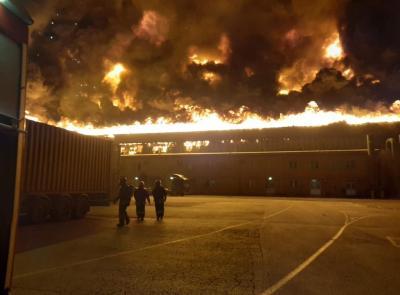 """Incendio porto di Ancona: """"È doloso, almeno tre gli inneschi"""""""