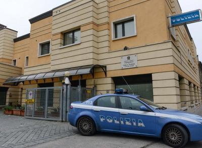 Civitanova, beccato in centro con 20 dosi di cocaina: denunciato pusher 17enne