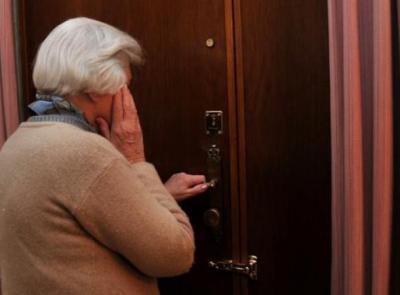 Macerata, 'truffa del vaccino': finta dottoressa entra in casa di un'anziana e le ruba oro e gioielli