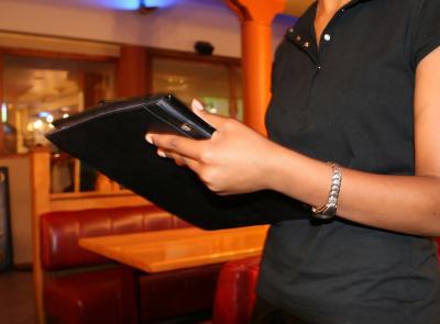 Il ristoratore non indica nel menù che i suoi prodotti sono surgelati: c'è la condanna?
