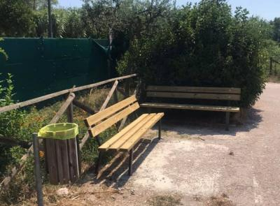 Civitanova, restyling delle aree verdi con 30 nuove panchine