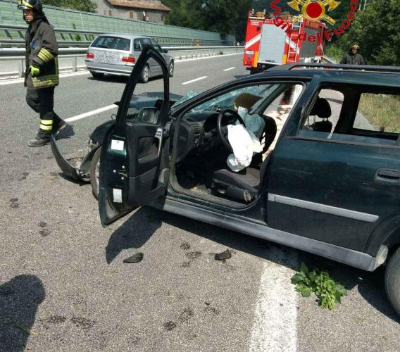 Caccamo, scontro tra vetture in superstrada: gravi due bambini