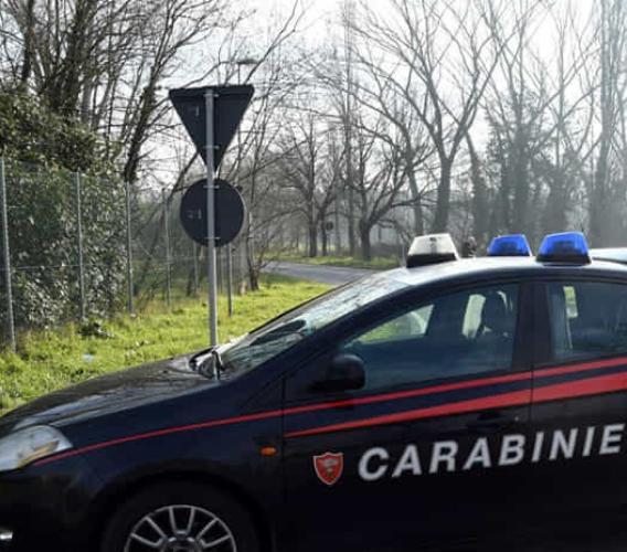 Agguato con le moto da cross: rubati 20 mila euro al titolare di 2 distributori di benzina