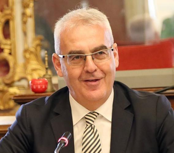 """Il sindaco di Macerata al commissario Farabollini: """"Uguale trattamento per tutti i comuni del cratere"""""""