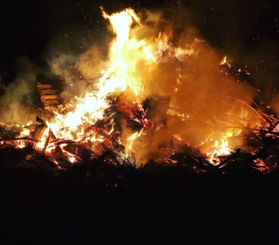 """Serravalle di Chienti, i tradizionali """"focaracci"""" illuminano Taverne"""