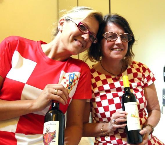 Dalla Svezia a Mogliano per produrre vino di qualità: la storia di Anna, Maja e della Cantina Volverino. (FOTO)