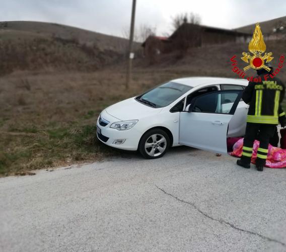 Serravalle Del Chienti: donna accusa un malore mentre è alla guida della sua auto e muore