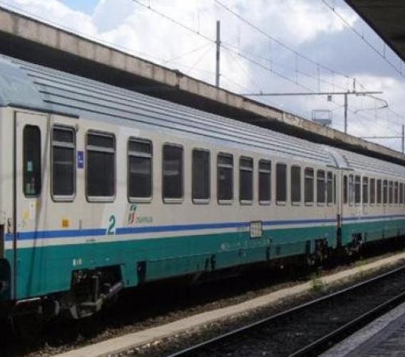 Iniziativa Trenitalia per favorire turismo tra Marche e Emilia Romagna: nel weekend si viaggia a metà prezzo