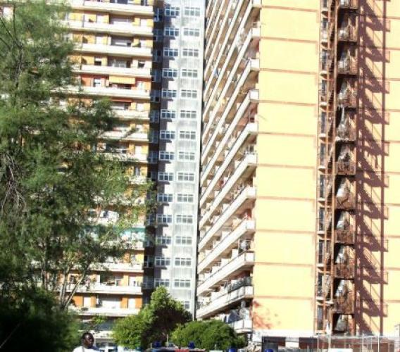 Porto Recanati,  vasti controlli interforze all'Hotel House: 34 persone denunciate