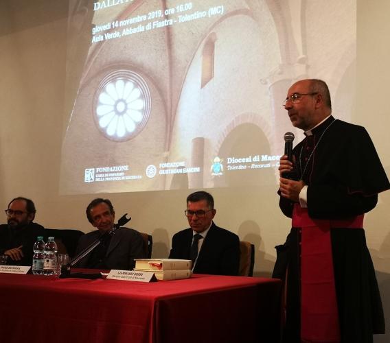 """Prestigioso convegno sulle """"carte"""" fiastrensi con il vescovo Marconi all'Abbadia di Fiastra"""