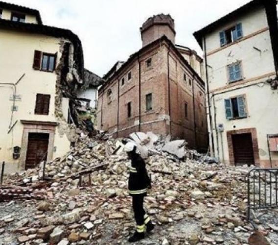 Reportage terremoto - Immagini e testimonianze dai luoghi colpiti dal sisma