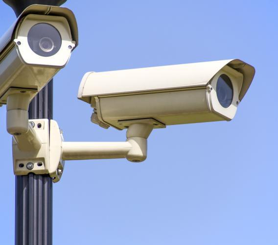 Multa per mancata revisione o assicurazione auto: quando è legittimo l'utilizzo delle telecamere