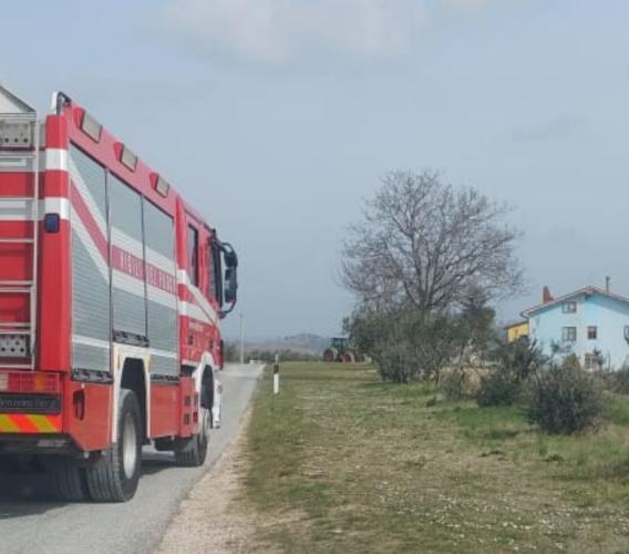 Serrapetrona, cade dall'albero: 70enne in gravi condizioni, interviene l'eliambulanza (FOTO)