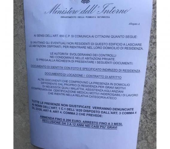 """Falsi volantini del Ministero: """"Multa e arresto per i non residenti"""". È una bufala"""