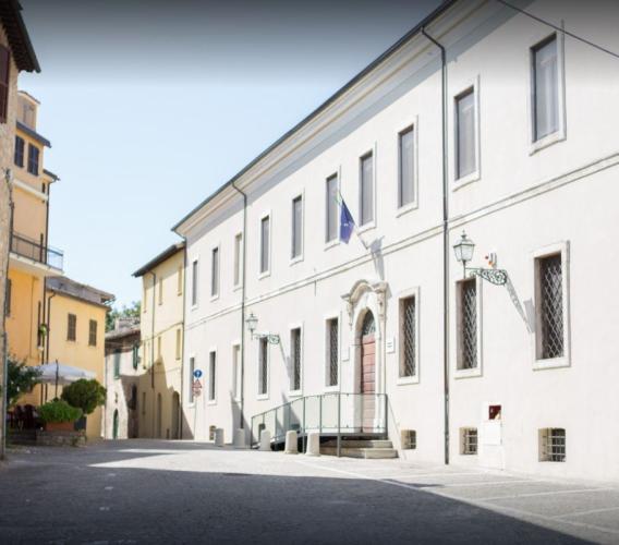 """""""Hortus in scena"""", alla Biblioteca di Cingoli prende il via la rassegna teatrale all'aperto"""