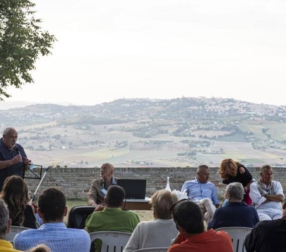 """Montelupone, a Parco Franchi un """"Incontro al tramonto"""" per riflettere sulla biodiversità"""