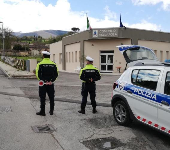 Caldarola, quarantena violata due giorni di fila: per un 50enne scatta la doppia sanzione anti-Covid