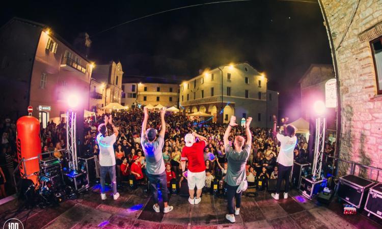 Serrapetrona, una storia lunga 60 anni : straordinario successo per la Sagra della Vernaccia 2019 (FOTO)
