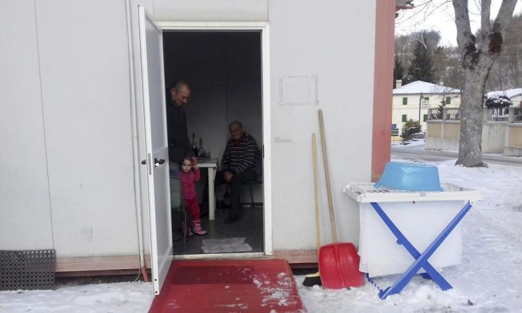 Fuori casa del 26 ottobre, mamma Lucia e la piccola Giorgia vivono in camper dal 1° dicembre