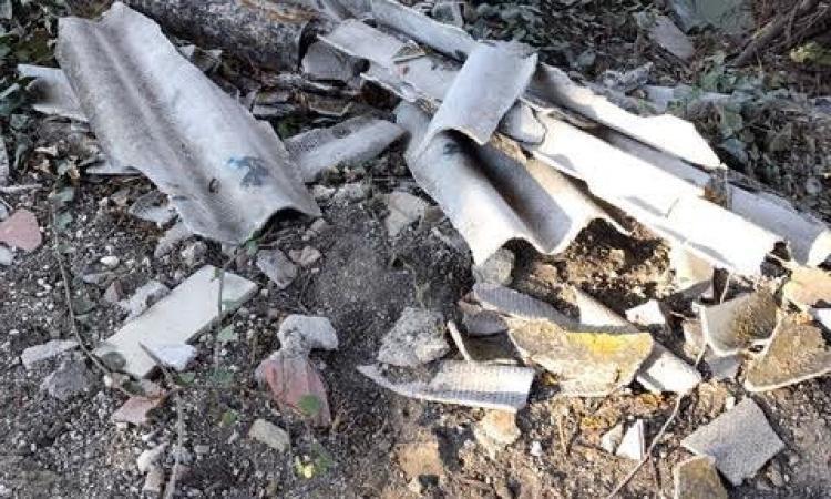 Trovati a Tolentino oltre cento chili di amianto abbandonati