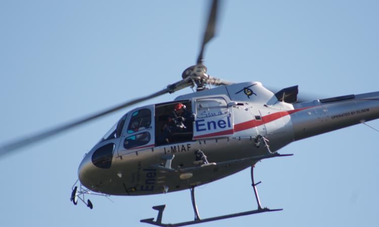 Check up aereo dell'Enel sulle linee elettriche del Maceratese
