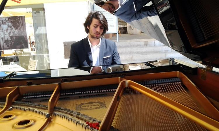 Il tolentinate Tommaso Zeppillo in concerto al Piano City Milano con Steinway & Sons Italia