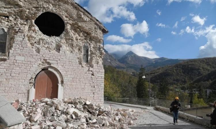 Ussita, riperimetrata la zona rossa: ora è possibile raggiungere anche Frontignano