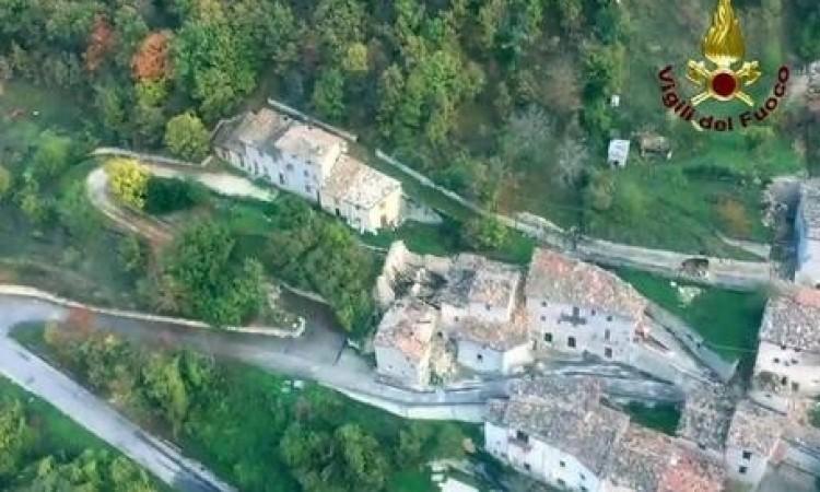 Castelsantangelo sul Nera, figli di un dio minore: in Umbria si riaprono le strade, sul versante marchigiano no