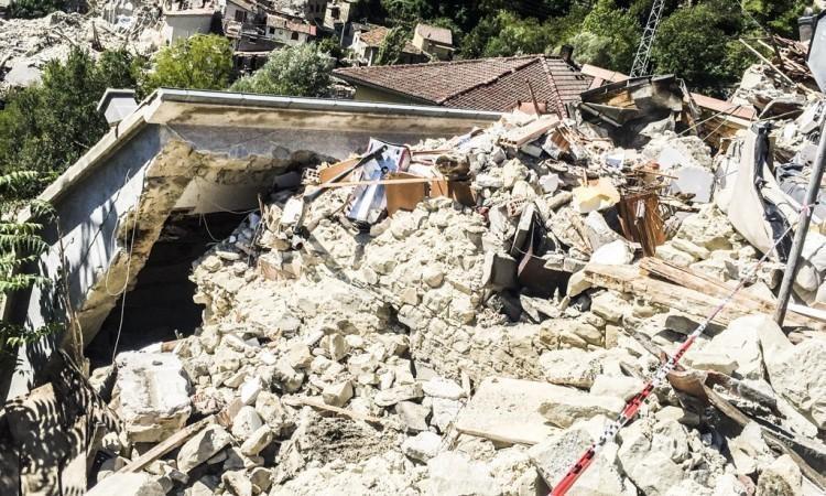 """Ufficio Ricostruzione di Ascoli e Fermo, il direttore è il fratello della vicepresidente della Regione Casini. """"Bizzarra decisione"""" per il comitato terremotati"""