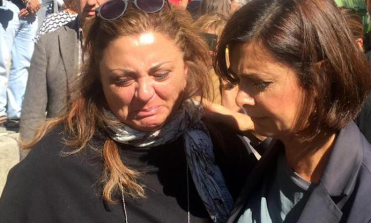 """Una terremotata di Arquata a Laura Boldrini: """"Qui non è stato fatto nulla. I fatti concreti non ci sono"""""""