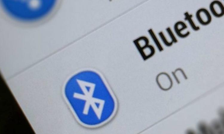 Bluetooth, miliardi di dispositivi vulnerabili per un virus in grado di violare uno smartphone in 10 secondi