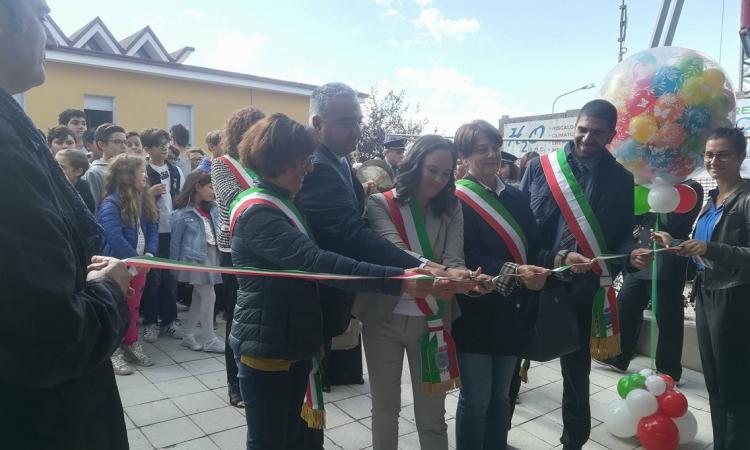 Loro Piceno, grande festa di inaugurazione per la mensa della scuola Cecchi
