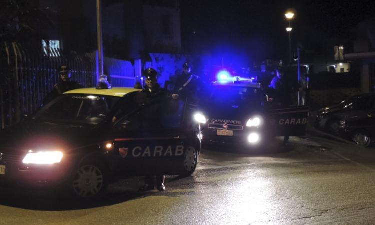 Controlli a tappeto dei carabinieri: denunciato un giovane e sequestrato un modico quantitativo di droga