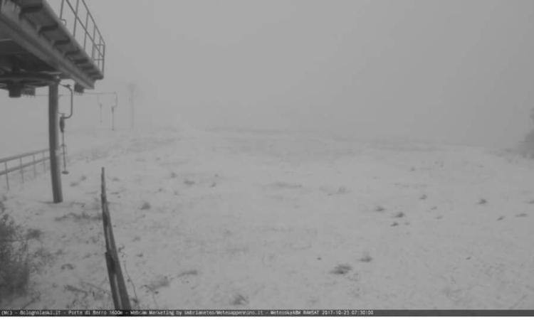 Prima neve sui Sibillini: le immagini da Bolognola e Sassotetto - VIDEO
