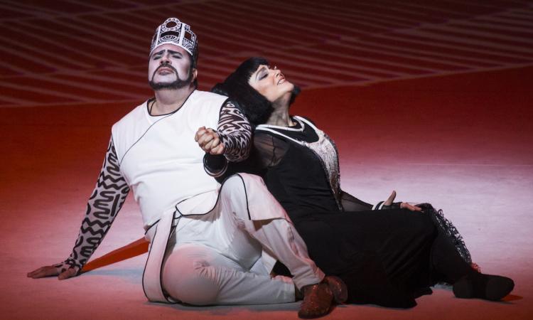 Successo a Bologna per l'Aida cibernetica messa in scena da Francesco Micheli