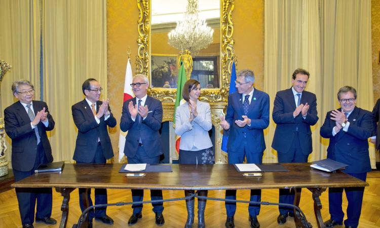Macerata aderisce a Mayors of Peace, uniti per la pace nel mondo: la firma a Montecitorio