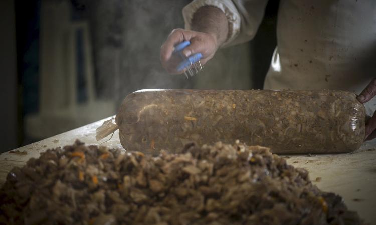Progetto CNA: Vernaccia, olio, coppa di testa e biscotti all'anice gli ambasciatori del Maceratese in Italia