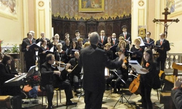 """A Montecosaro torna il """"Concerto di Natale"""" per soli, coro, pianoforte e quartetto d'archi"""