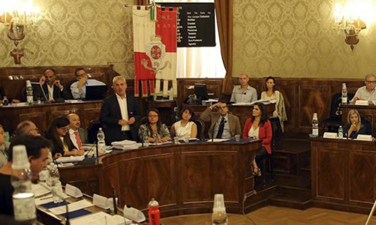 Macerata, consiglio comunale: approvati il bilancio di previsione e le tariffe dei tributi comunali 2018
