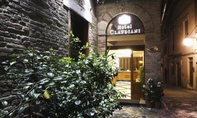 """Il """"Popolo della Famiglia"""", conferenza all'Hotel Claudiani per presentare il neonato Circolo Provinciale"""