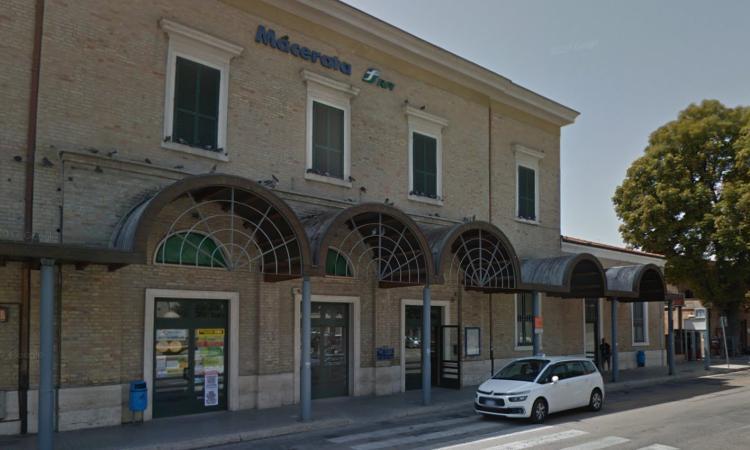 Inseguimento alla stazione di Macerata: arrestato 34enne per droga