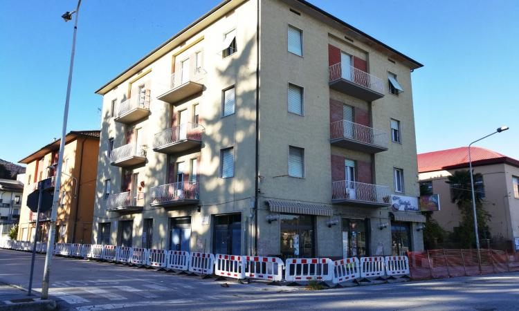 San Severino, continuano i lavori di demolizione degli edifici danneggiati dal sisma