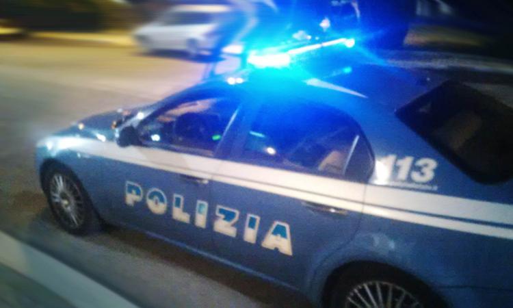 Civitanova, non si fermano all'alt: inseguiti e bloccati dalla polizia
