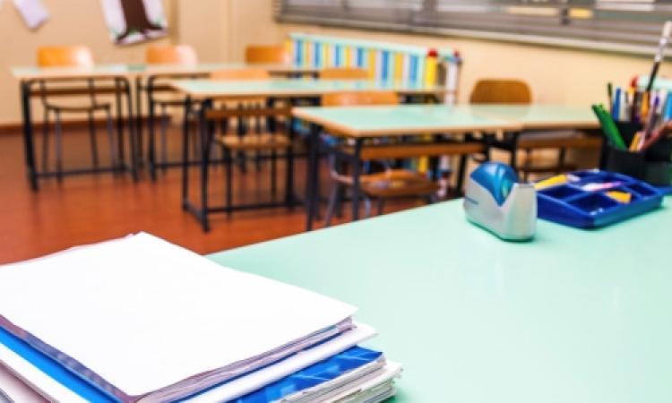 PON Scuola, aperture estive contro la dispersione e competenze di base: stanziati 280 milioni di euro
