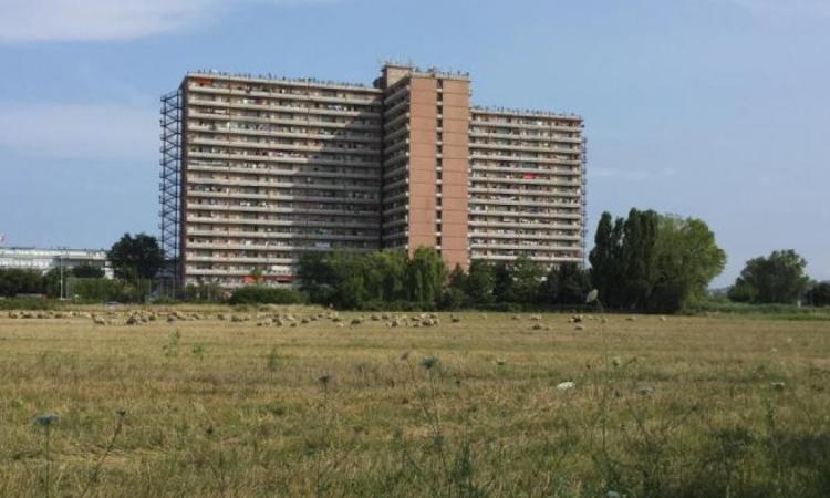 """Hotel House, il Movimento 5 Stelle al sindaco: """"Chi si scusa si accusa"""""""