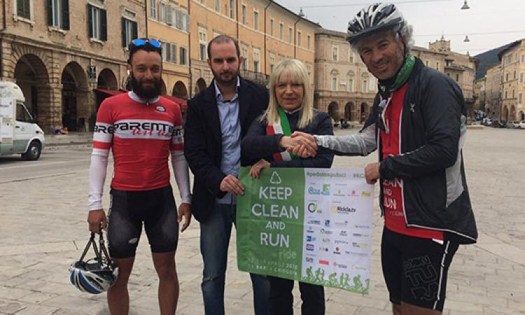 Accolti a Borgo Ficana gli eco-atleti di Keep Clean and Ride