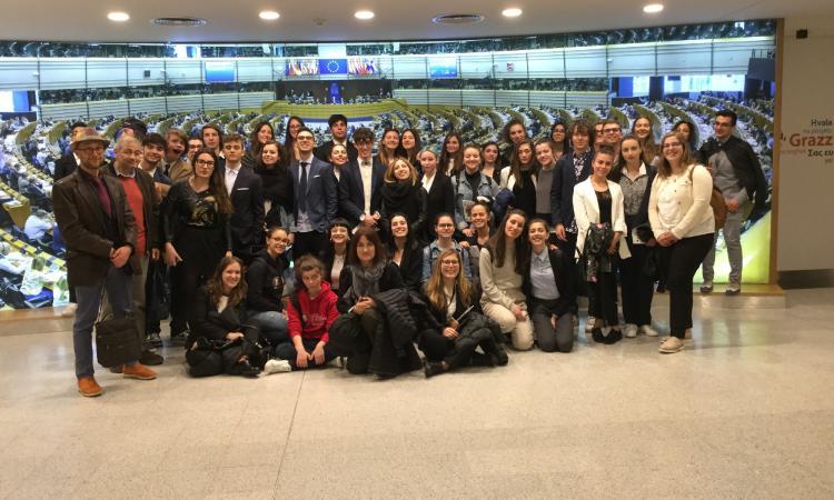 """Macerata: i ragazzi del """"Leopardi"""" al Parlamento Europeo"""