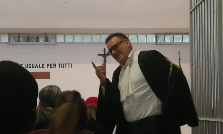 Sarà il criminologo Massimo Picozzi a svolgere la perizia psichiatrica su Luca Traini - VIDEO