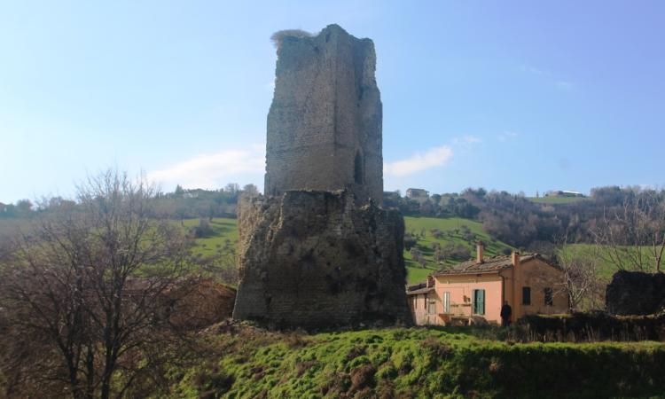 Terremoto, avviso pubblico per l'appalto dei lavori alla torre di Carpignano